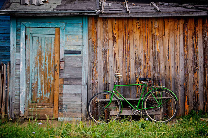 A green bike image taken from a stock photo website.
