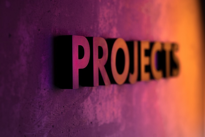 A sign that reads 'Projects'.