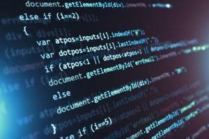 Auf einem Computerbildschirm wird der HTML-Code einer Datei im Dokument-Dateityp HTML angezeigt.