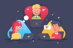 Eine Gruppe von Mitarbeitern, die über mit ihren Laptops über das Internet zur Online-Zusammenarbeit verbunden sind.
