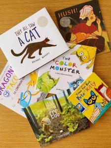 Einige der süßen Bücher, die wir für Tandems Büchersammlung gespendet haben!
