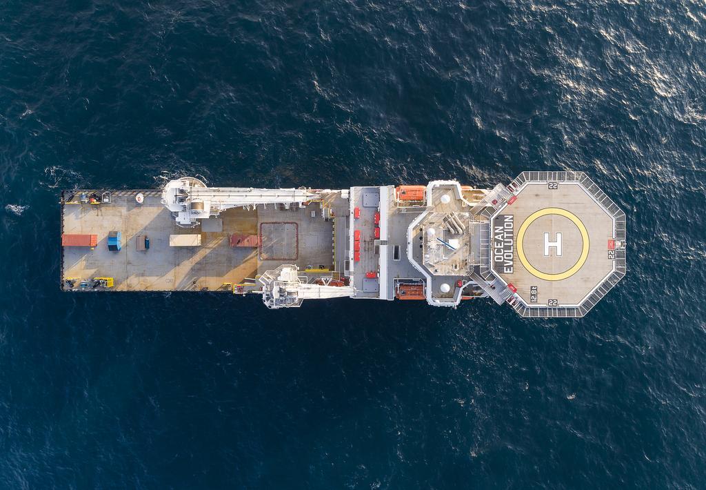 The Oceaneering ship in birds-eye view.