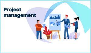 Eine Gruppe von animierten Personen diskutiert über verschiedene Diagramme, die Projektmanagement-Methoden abbilden.
