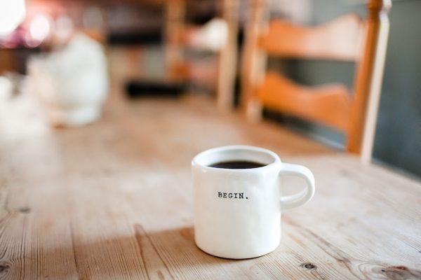 Eine Kaffeetasse mit der Aufschrift
