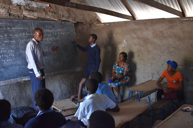 Image of a classroom in Africa.