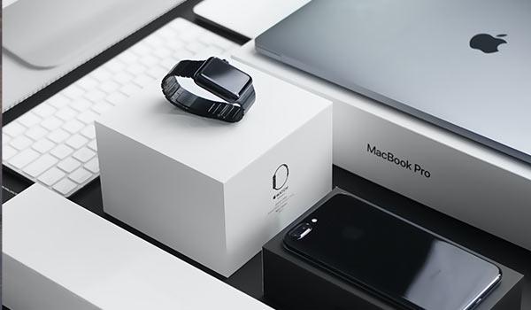 Zusammengestellte Apple-Produkte.