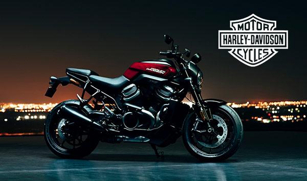 Ein Motorrad der Marke Harley Davidson.