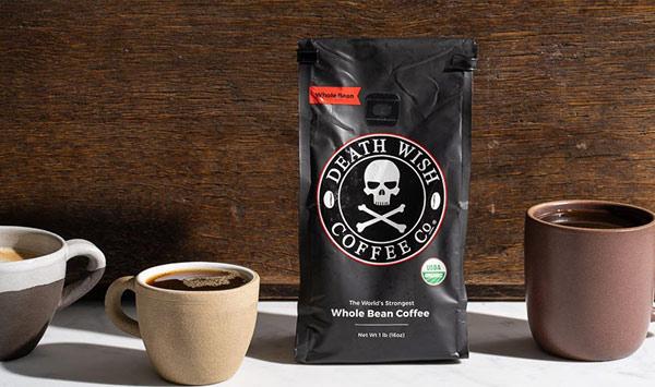 Eine Tüte Kaffee der Marke Death Wish.