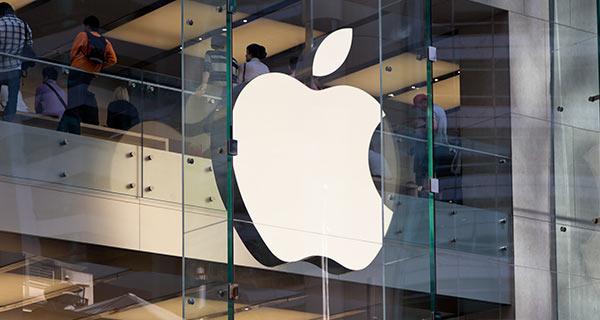 Eine Filiale von Apple, die Markenloyalität durch ihre Produkte schaffen.