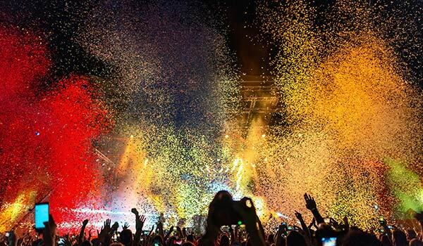 A live event with a lot of confetti.