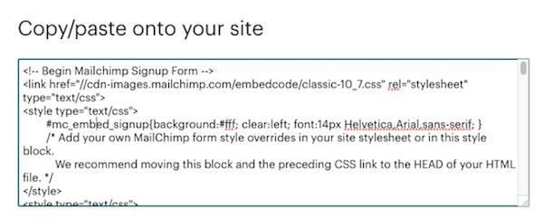 Von Mailchimp generiertes HTML zum Einbetten eines E-Mail-Anmeldeformulars auf einer Webseite.